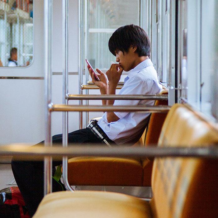 japan 700 - У низці країн закінчуються …мобільні номери