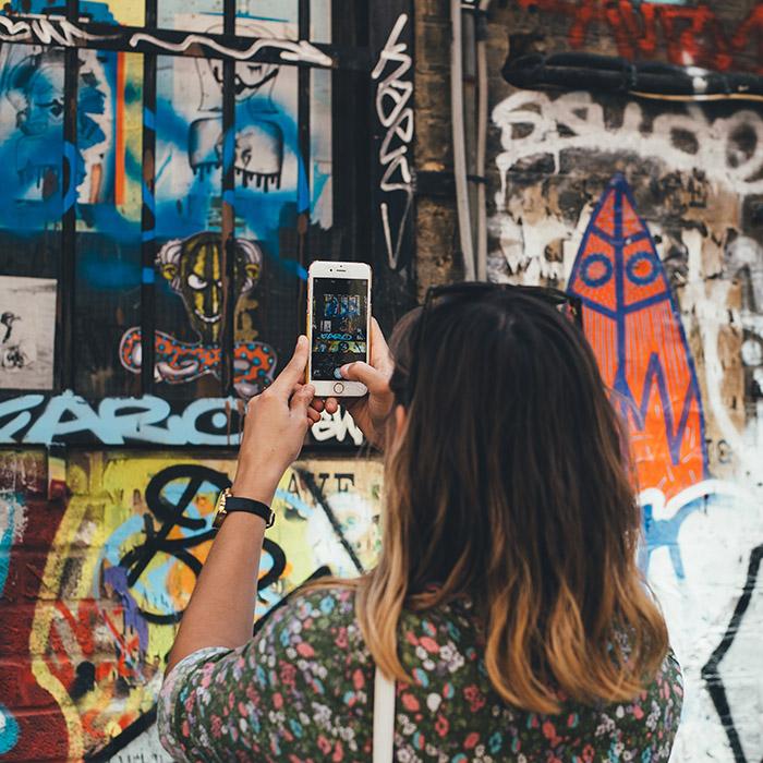 phon700 - Більшість американців обирають дешевші за $1000 смартфони